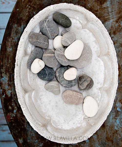 Yksilöllisiä_sisustustuotteita_käsintehty_Blåvilla_kuvassa_betonitarjotin